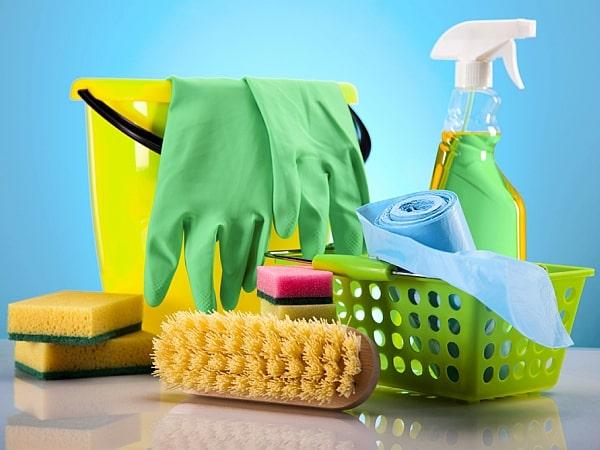 Чем и как чистить акриловую ванну