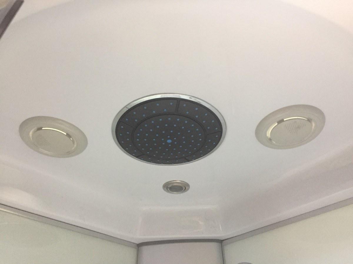 Душевая кабина Coliseum Симпл ТЕ-100 100x100 с электроникой белая/матовая