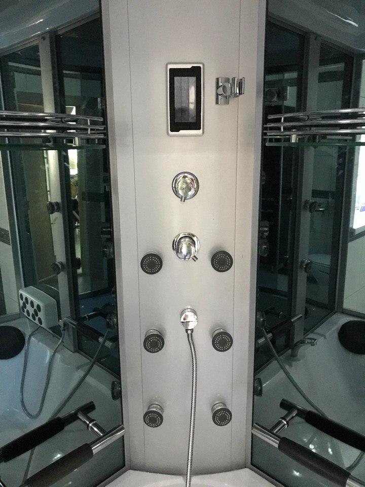 Гидромассажная душевая кабина Coliseum 0815 155x155 черная/тонированная